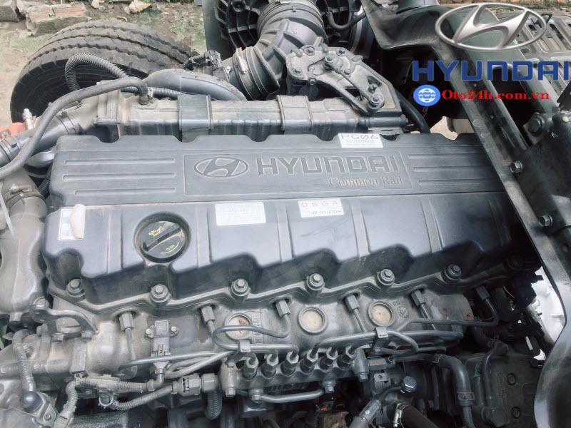 Giá Xe Hyundai HD240 Thùng Bạt Nhập Khẩu